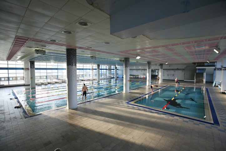 swimming-2477194_1920